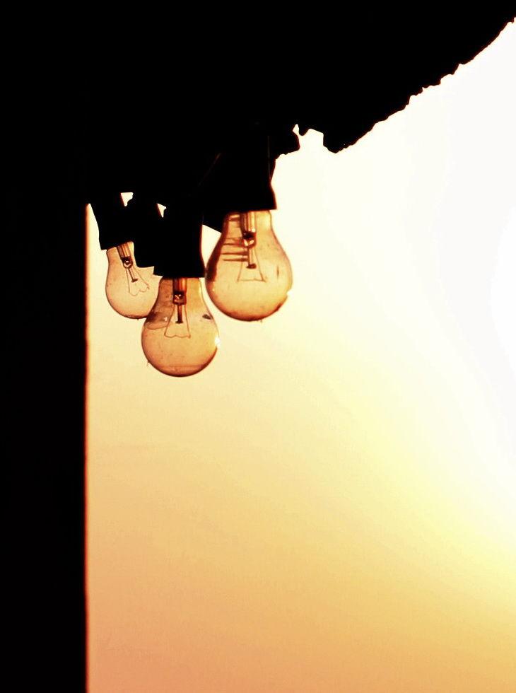 light rings the Sun bells...
