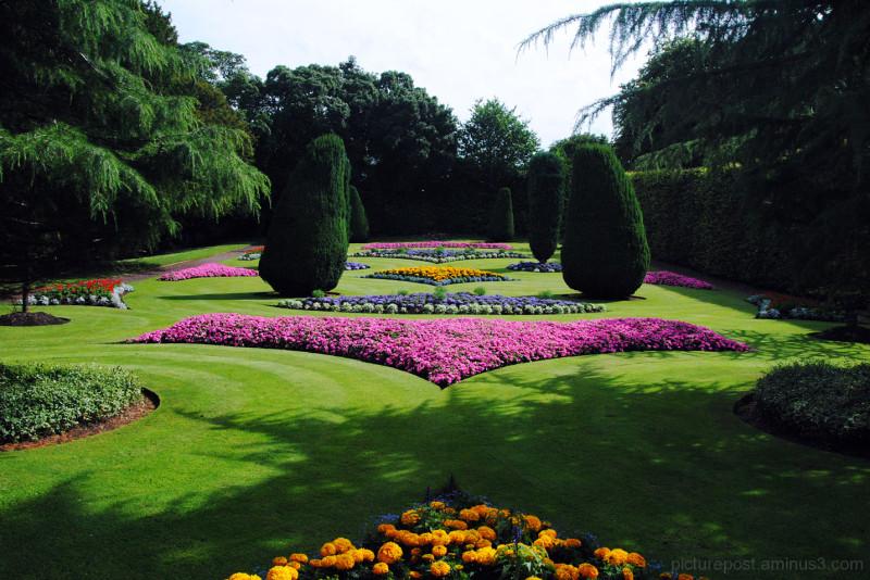 The Heraldic Castle Garden