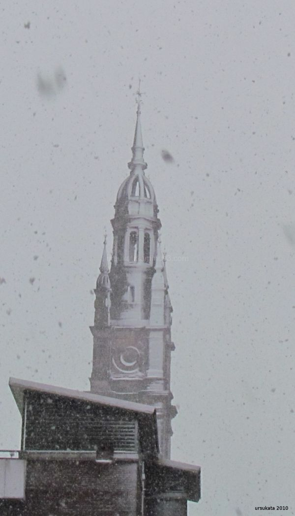 Anex-church with snow