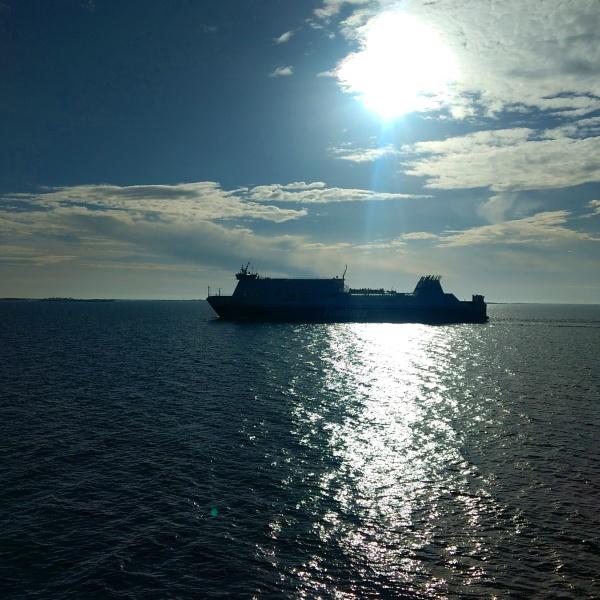 Sea ship sun winter