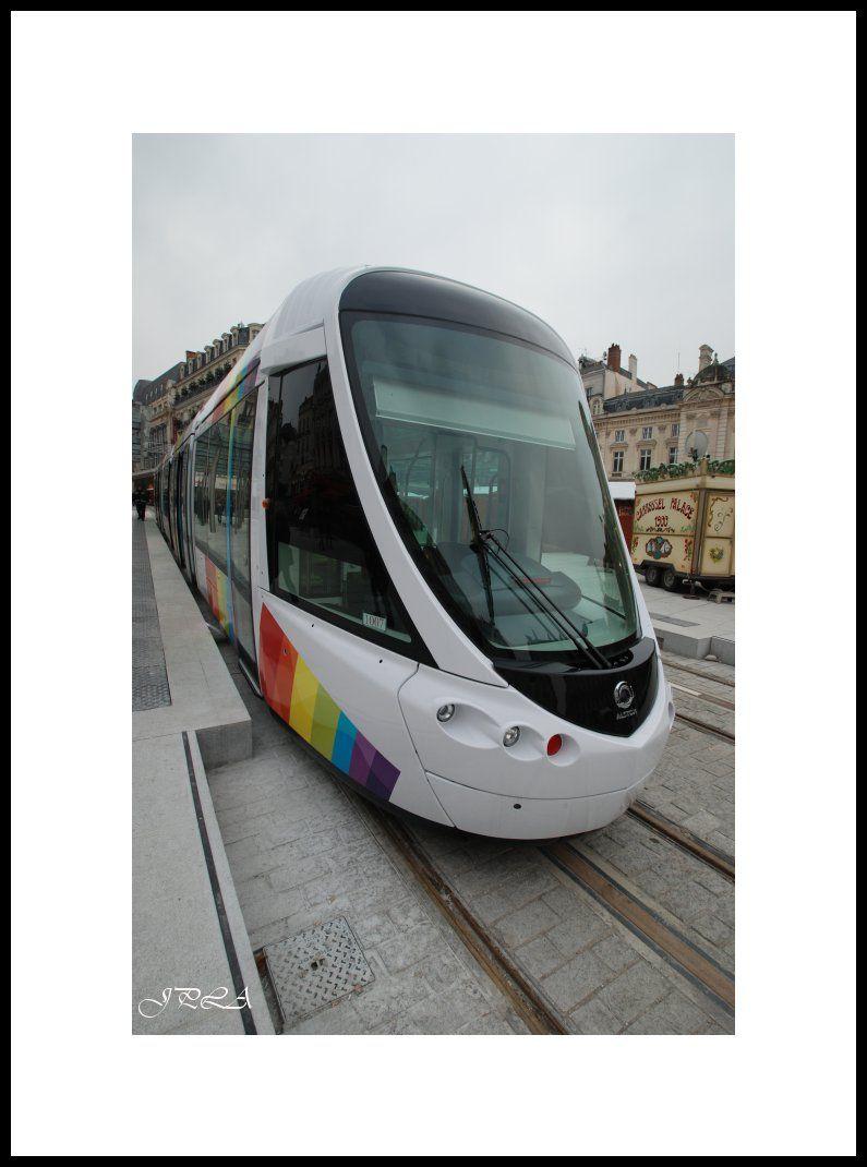 Le tram arrive à Angers