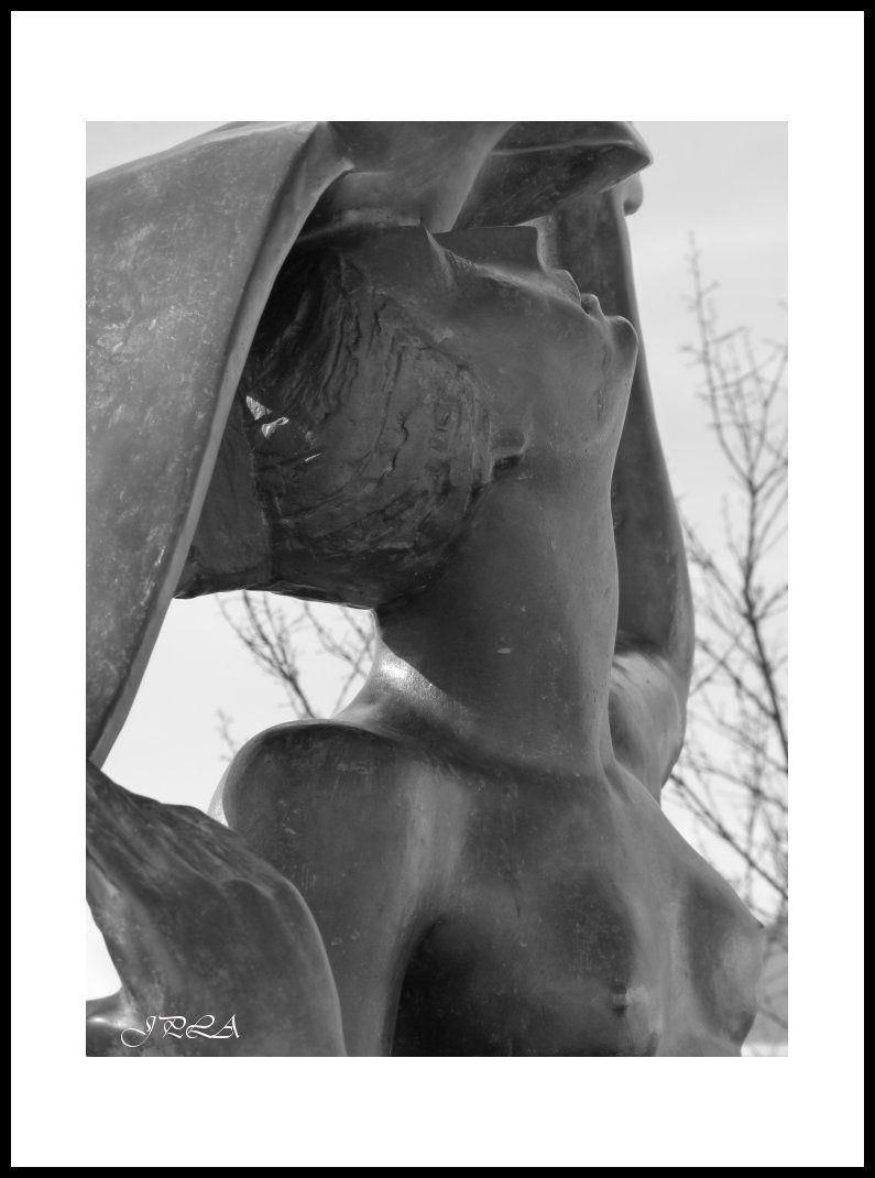 A Angers ... détails de statue#3