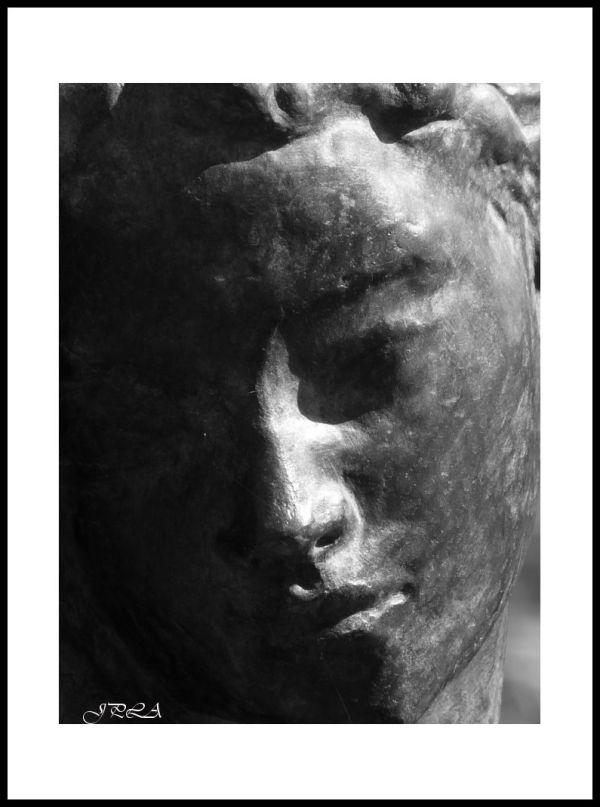 A Angers ... détails de statue#13