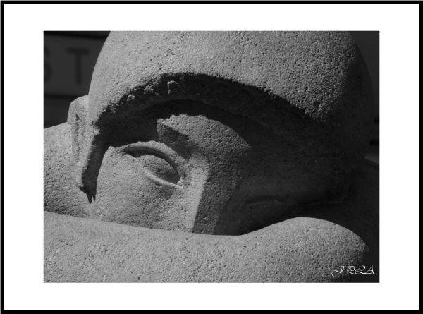 A Angers ... détails de statue#15