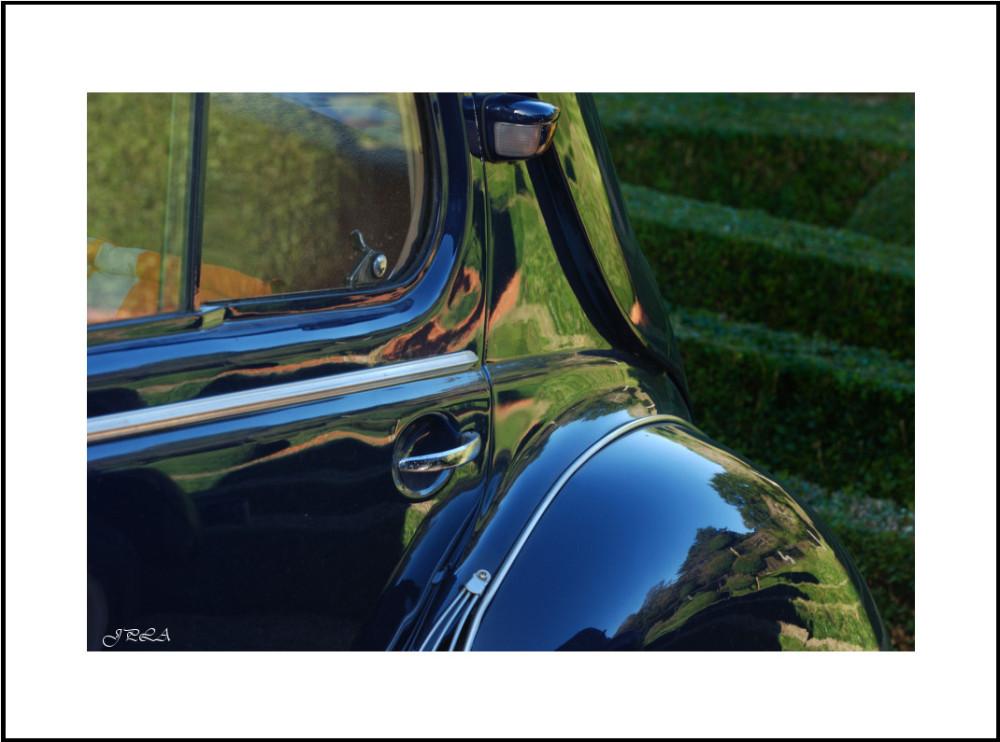 Reflets sur anciennes carrosseries