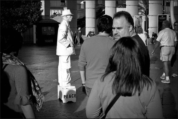 las vegas street performer people