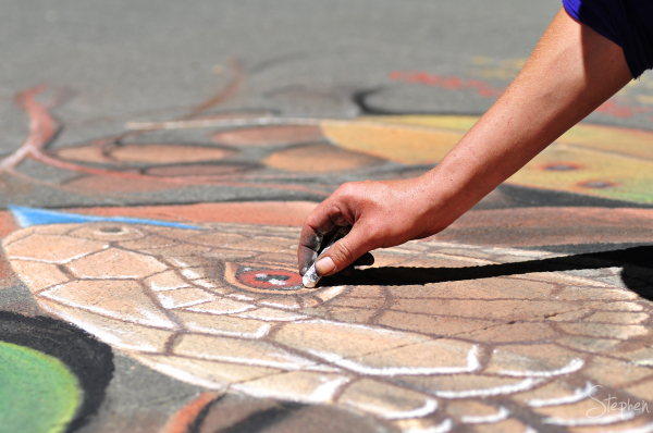 chalk artist at work