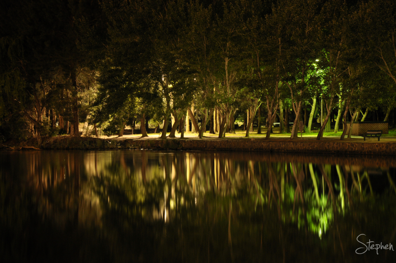 Night view of Lake Ginninderra