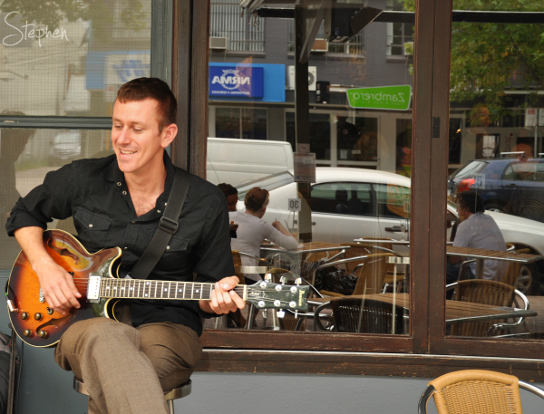 Charlie Meadows playing at Groovin' in the City