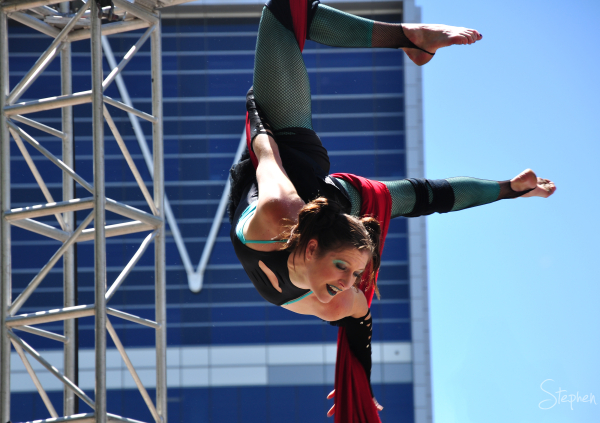 Janine Ayres Aerial Dance group