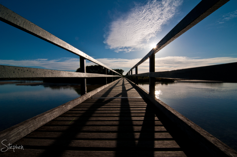 Footbridge over Mummaga Lake at Dalmeny