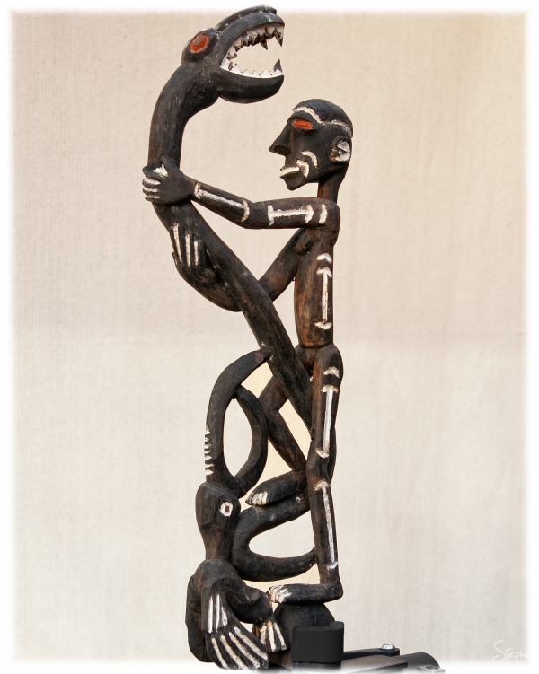 Asmat art - wooden carving from Syuru Village