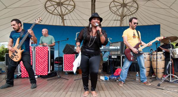 Novalima live at Pura Vida festival at Floriade