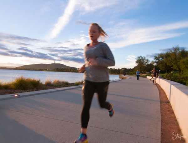 Jogging on the shores of Lake Burley Griffin