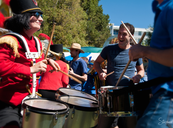 Battle of bands - Red Brigade and Blue Brigade