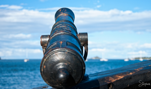 Cannon on caravel 'Notorious' in Batemans Bay