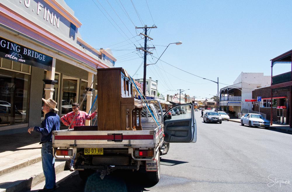 Main street of Canowindra