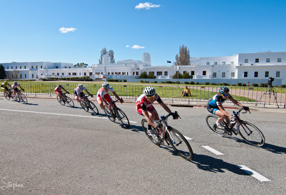 Women's criterium race at National Capital Tour