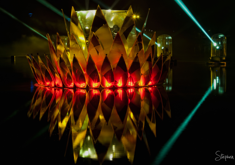 Lotus light sculpture at Floriade NightFest