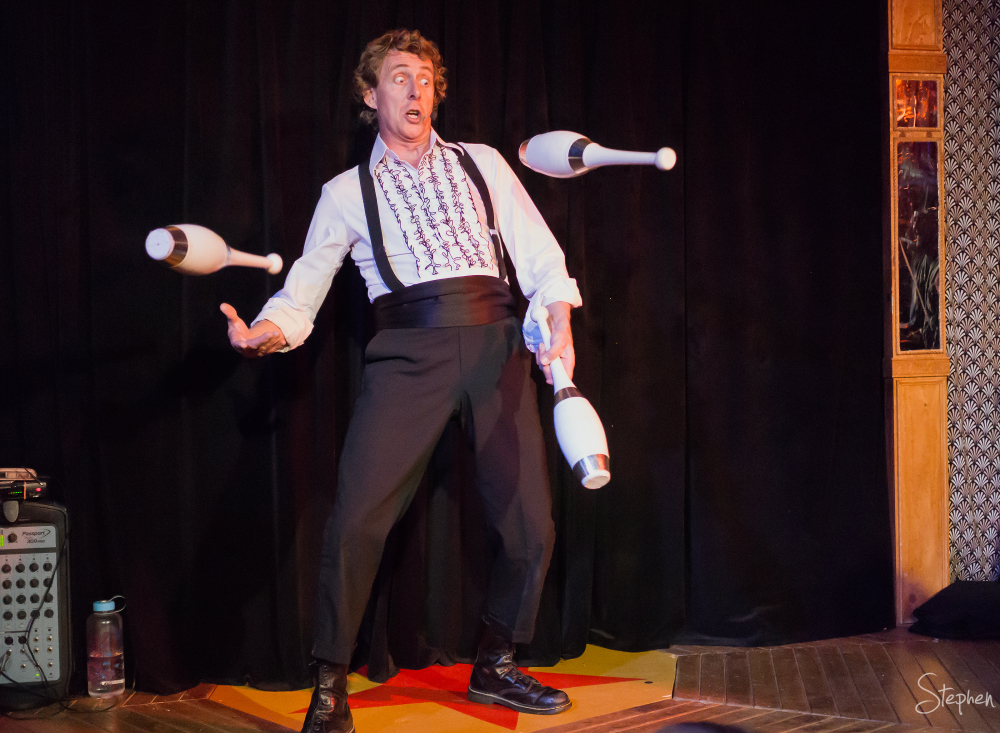 The Great Dave juggling at Floriade NightFest
