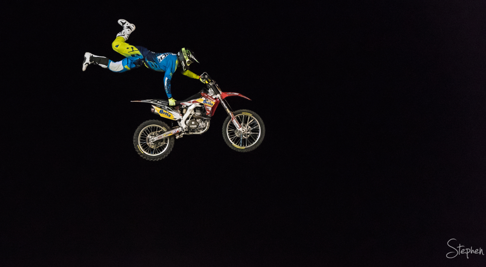 Motocross motorcycle stunt at Canberra Show