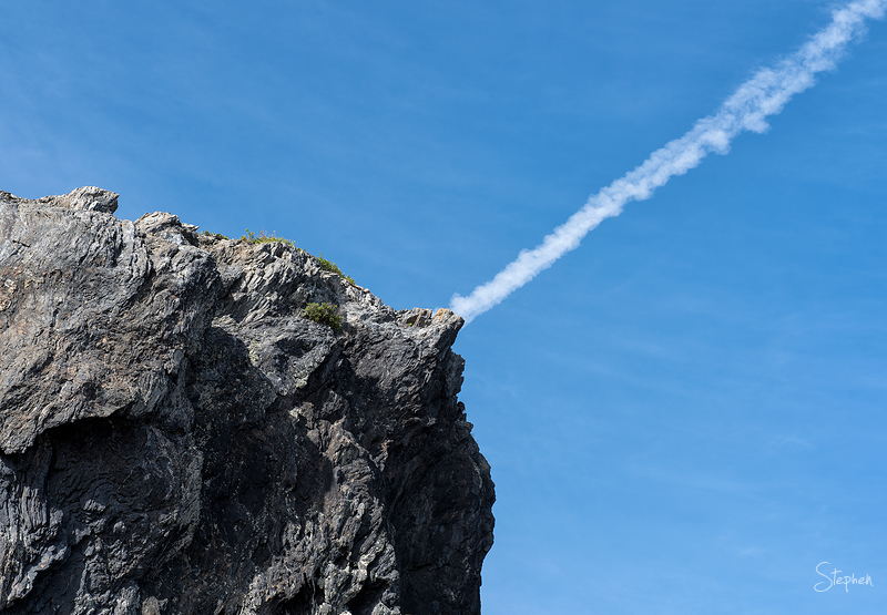 contrail seen from Glasshouse Rocks