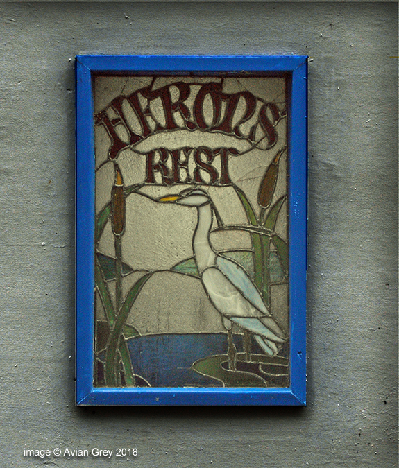 Sign : 'Herons Rest'