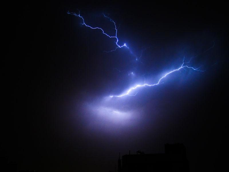 thunder in city