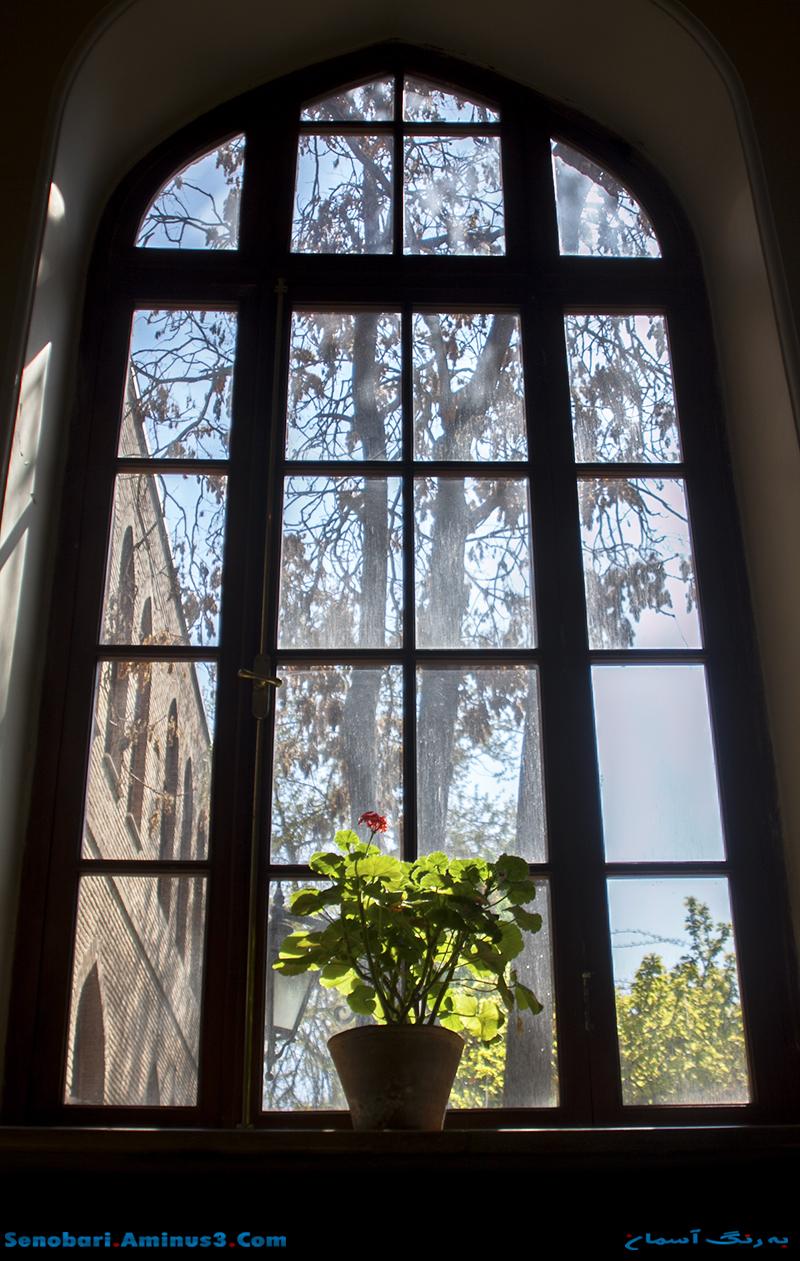 پنجره ایرانی باغ نگارستان