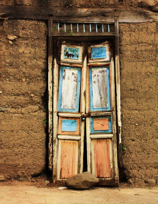 DOORS - VILCABAMBA, ECUADOR