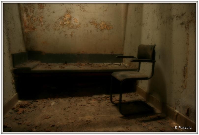 abandonned , prison