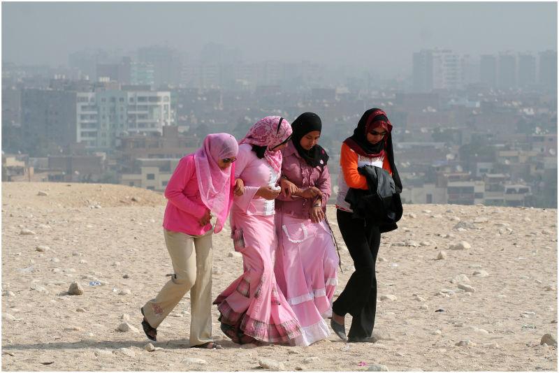 Girls in Kairo