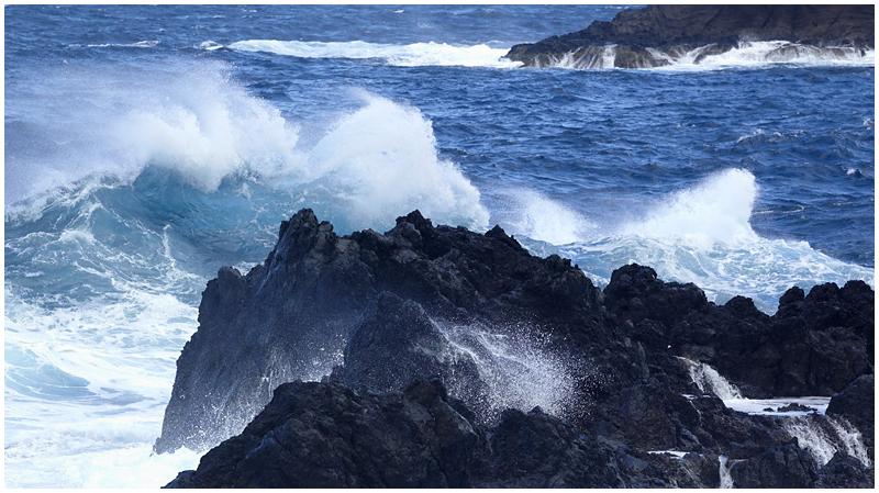 Ocean waves, Madeira