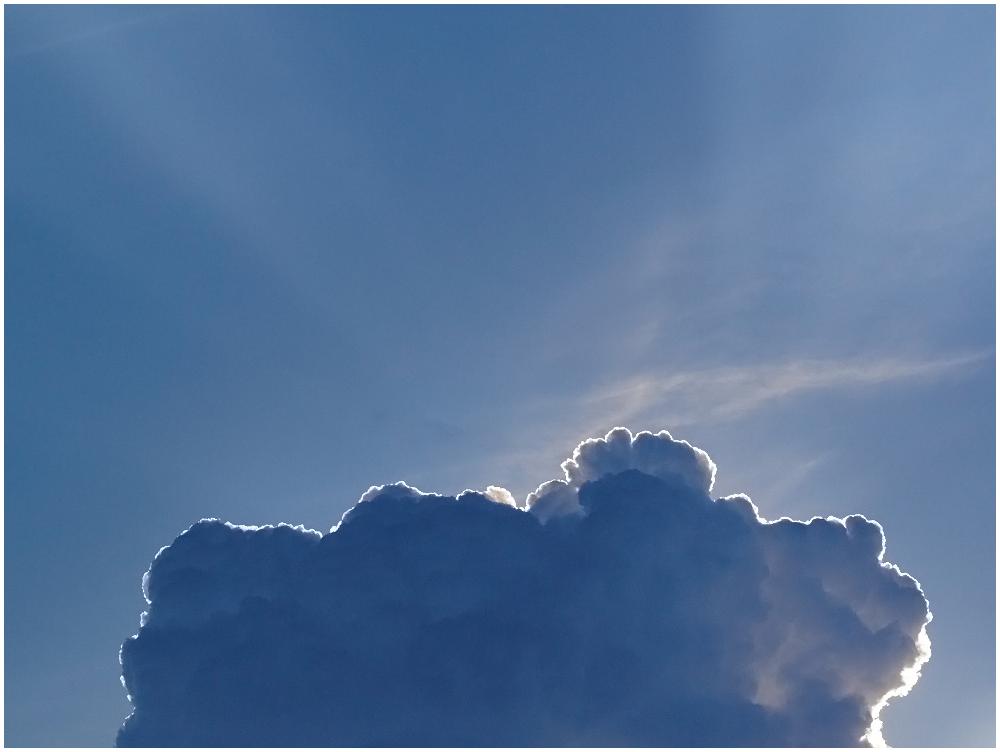 Pilve taga peidus