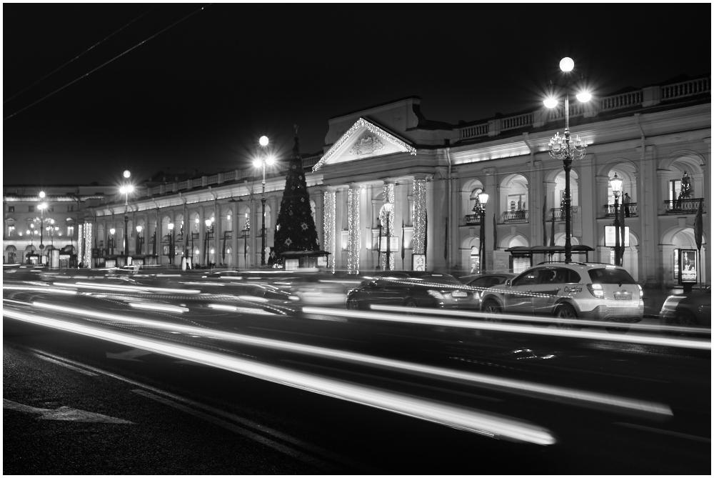 Gostiny Dvor, Saint Petersburg