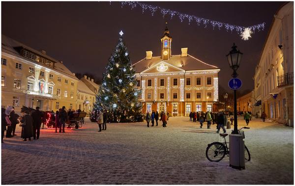 Tartu raekoja plats / Town Hall Square in Tartu