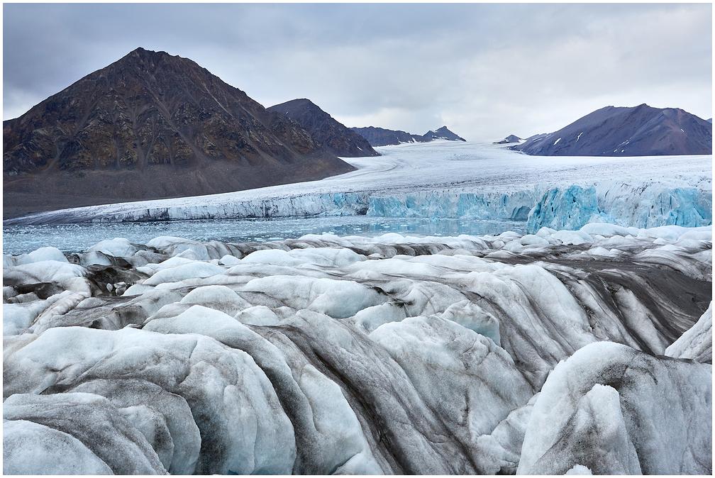 Hansbreen glacier