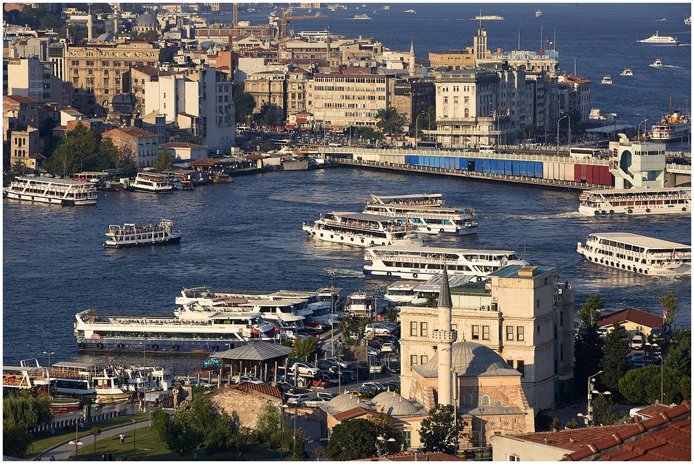 Kuldsarve laht, Istanbul