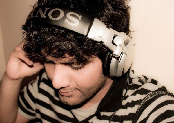 Me DJ'ing!!! Well, not xactly... just pretendin ;)