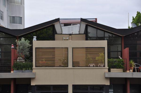 Houses in Symmetry