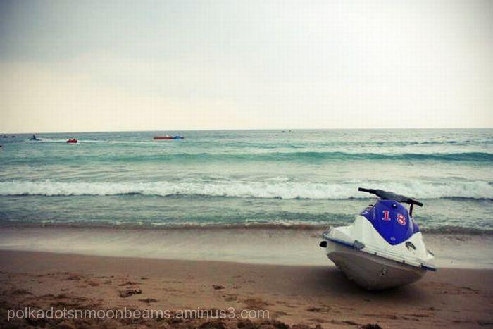 ocean beach shore jetski kenting taiwan