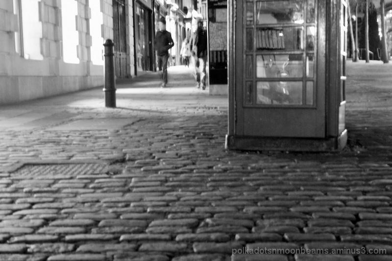 cobblestone london alley