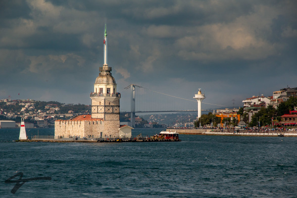 Maiden's Tower view from Bosphorus