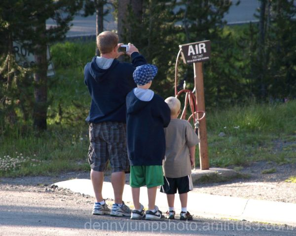Three wayward tourists searching for air