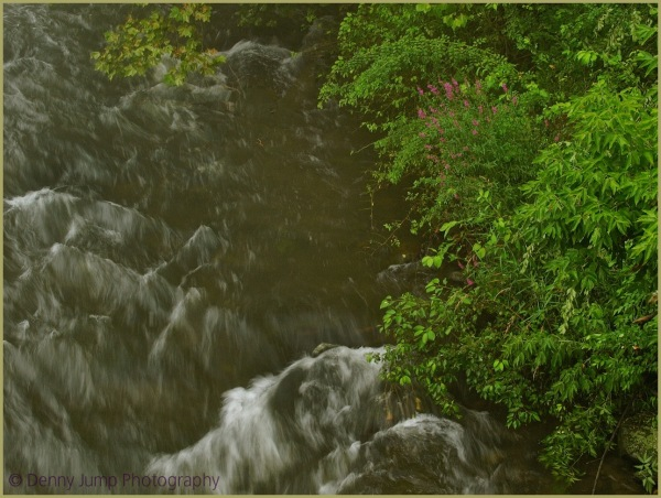 Wall of Water Bushkill Crek