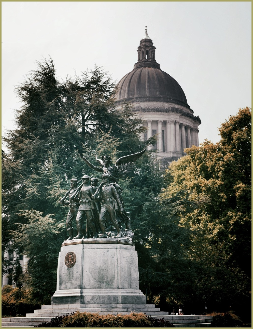 Monument and Capital - Olympia, Washington