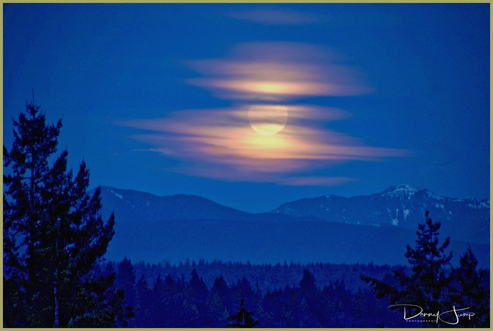 Moon Dreams over the Cascades