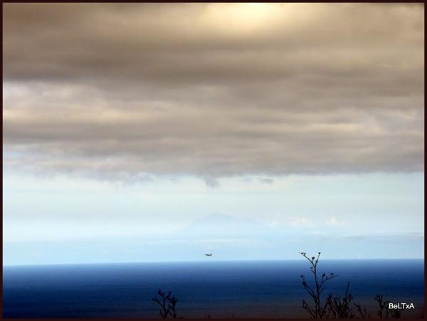 Avión y Teide // Airplane and Teide montain