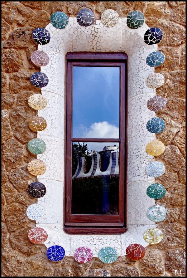 Le musée Gaudí, détail d'une fenêtre.