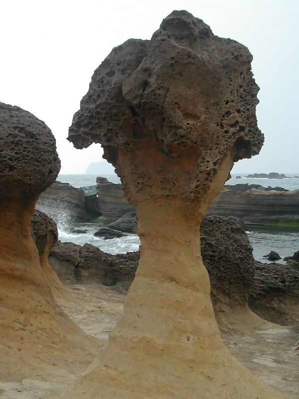 "Yehliu Geopark - ""Strange"" rocks"